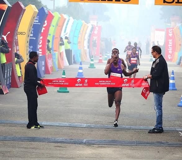 Legese and Limo clinch gold at the 2015 Airtel Delhi Half Marathon