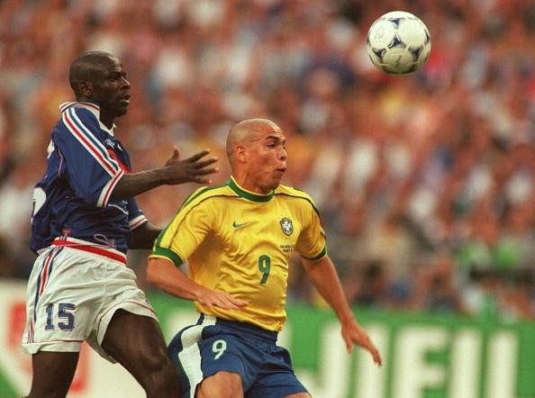 Video: Watch French defenders discuss ways to stop Ronaldo before 1998 World Cup Final