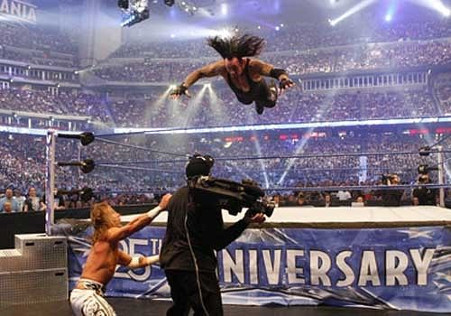 5 Wrestling accidents involving the Undertaker