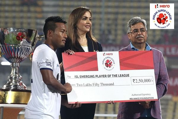 Looking at the award winners from season 2 of the Indian Super League