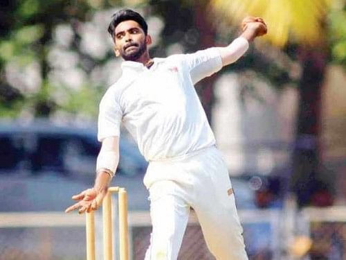 Two Mumbai bowlers banned for chucking in Ranji Trophy
