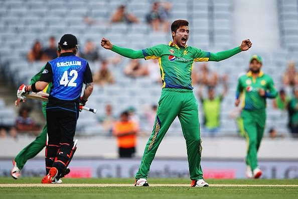 Waqar Younis believes Mohammad Amir is slowly getting back to his peak