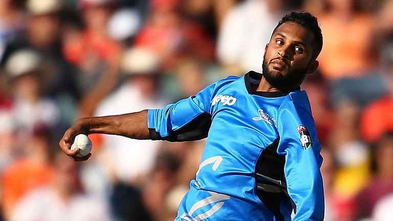 BBL 2015: Perth Scorchers silenced by an all-round performance from Adelaide Strikers