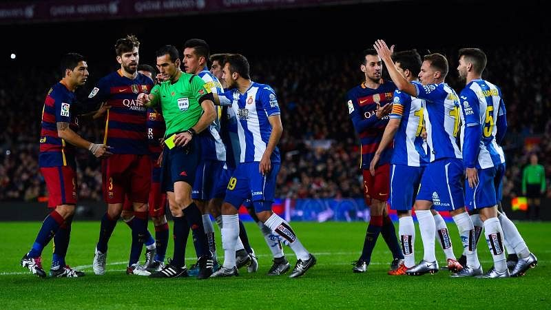 Duty of referee to prevent football from turning into American football, says Luis Enrique
