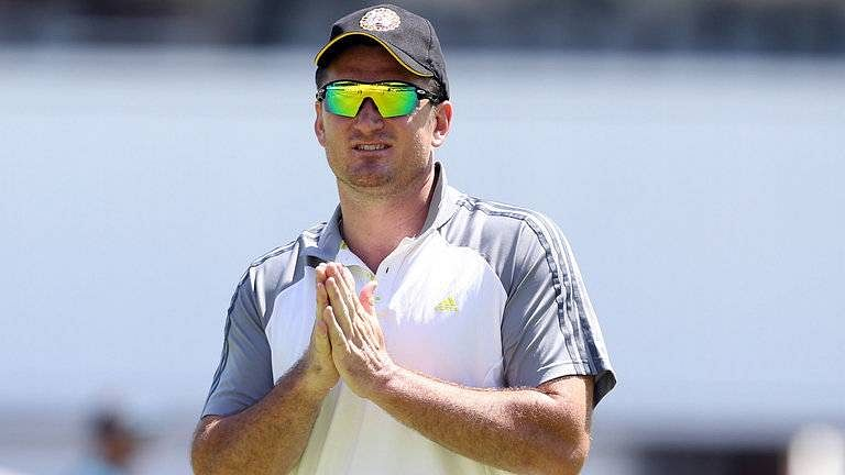 Management needs to take responsibility for poor form, says Graeme Smith