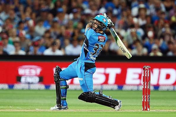 BBL 15/16: Lehmann Jr's last-ball six gives Strikers thrilling victory