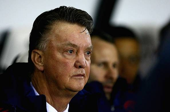 Louis van Gaal urges Manchester United fans to back players ahead of crucial EPL tie with Stoke City
