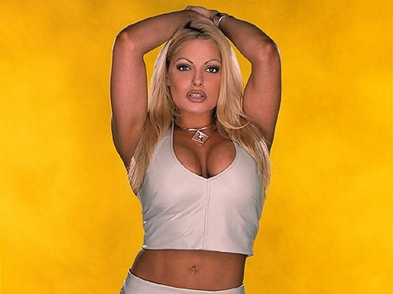 10 WWE Divas who dated multiple WWE Superstars