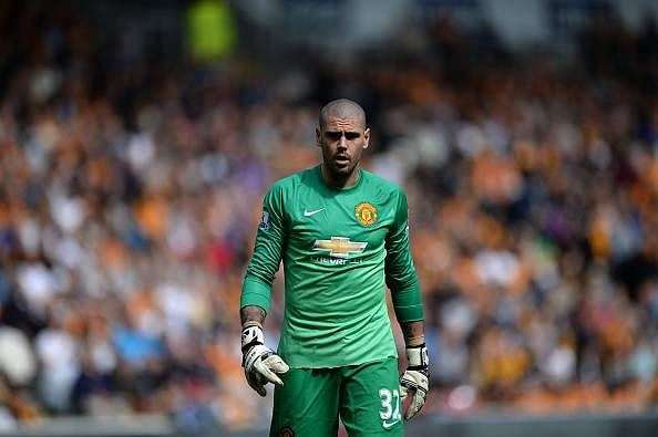 Manchester United confirm departure of Victor Valdes to Standard Liege
