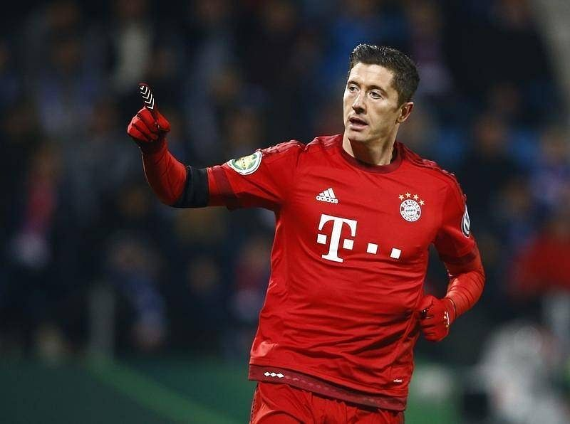 Bayern ease into German Cup semis with win over Bochum
