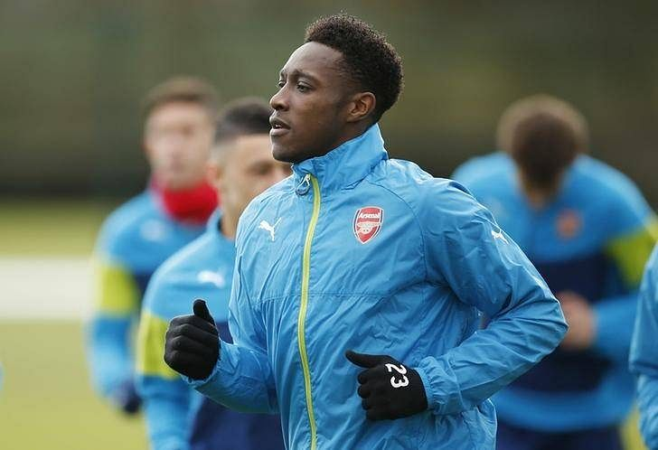 Arsenal's Welbeck fit for Leicester, Mertesacker unlikely to start