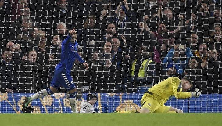 Gloom returns for Man Utd, Chelsea crush Newcastle