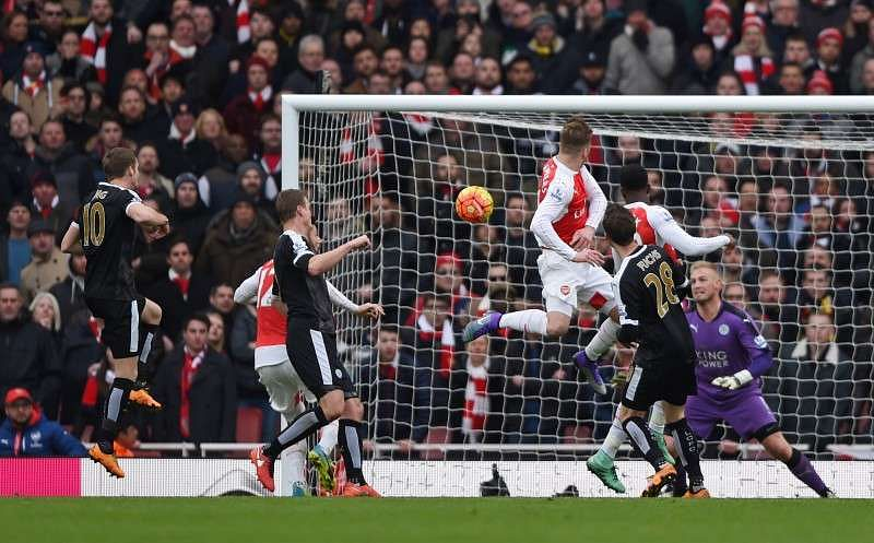 Football Soccer - Arsenal v Leicester City - Barclays Premier League - Emirates Stadium - 14/2/16 Arsenal's Danny Welbeck scores their second goal Action Images via Reuters / Tony O'Brien/ Livepic