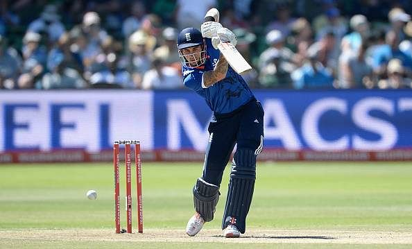 Alex Hales, Reece Topley pile on misery for South Africa as England take 2-0 lead