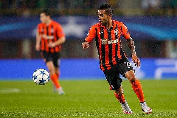 Shakhtar forward Alex Teixeira involved in stunning 50m euro move to Chinese Super League side Jiangsu Suning