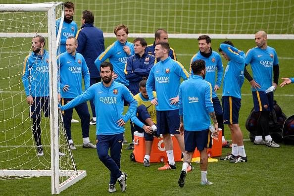 Barcelona hold a recovery session prior to the Copa del Rey semi-final