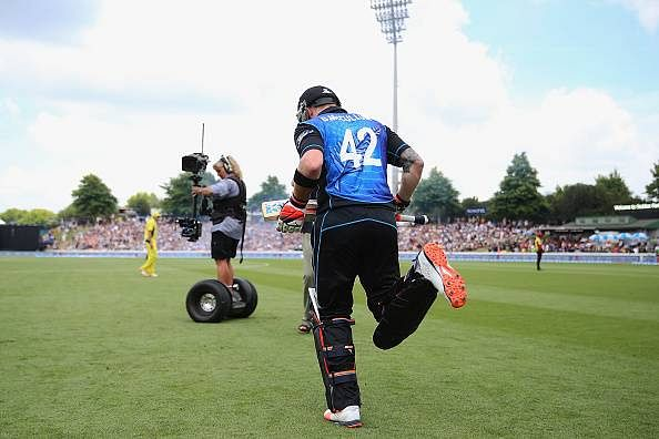 Brendon McCullum dismissed for a 27-ball 47 in final ODI innings