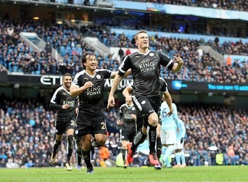 Leicester City destroy Manchester City 3-1 at Etihad thanks to some Mahrez magic