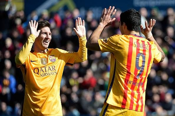 European round up: Barcelona, Real and Arsenal win while United and Chelsea draw, PSG win Le Classique