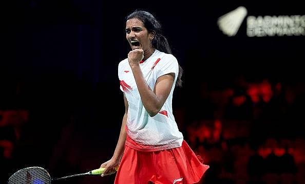 Sindhu, Ponappa shine, as Indian shuttlers enter semi finals in SAG