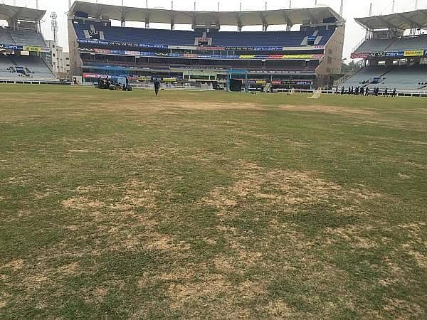 India vs Sri Lanka 2016 2nd T20: Ravi Shastri expresses concern over state of outfield at Ranchi