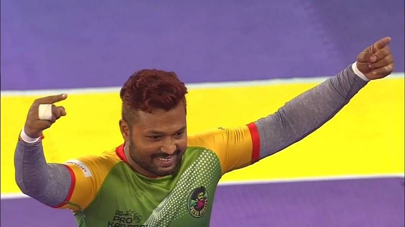 Bengal Warriors 31-36 Patna Pirates; The visitors move to the top of the Pro Kabaddi table