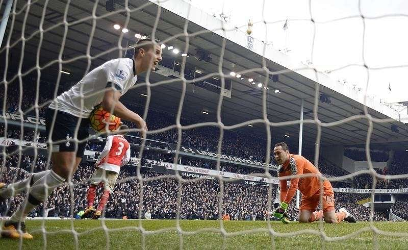 Football Soccer - Tottenham Hotspur v Arsenal - Barclays Premier League - White Hart Lane - 5/3/16 Erik Lamela celebrates after Toby Alderweireld (not pictured) scores the first goal for Tottenham Reuters / Dylan Martinez/ Livepic