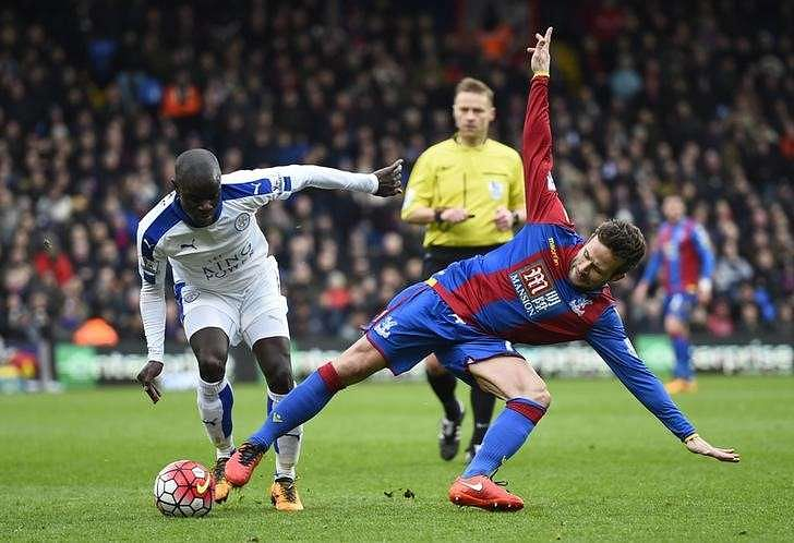 Football Soccer - Crystal Palace v Leicester City - Barclays Premier League - Selhurst Park - 19/3/16 Crystal Palace's Yohan Cabaye in action with Leicester City's N'Golo Kante Reuters / Dylan Martinez Livepic
