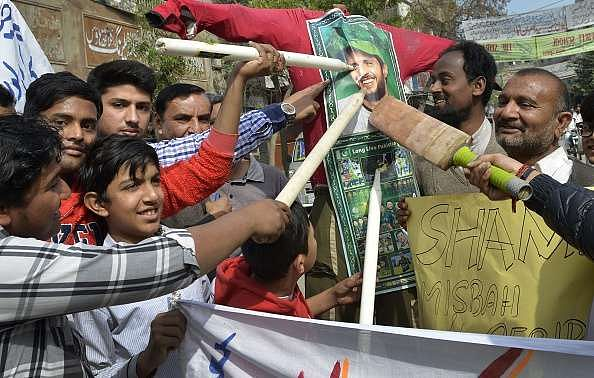 Misbah ul Haq and Wasim Akram criticize shameful behavior of Pakistani fans