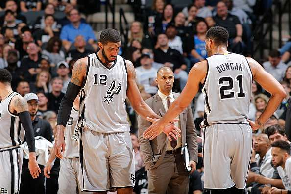 NBA Saturday recap: Warriors win 48th straight at home, Spurs not far behind at 41