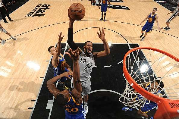NBA Saturday recap: Spurs win showdown with Warriors at home, Heat blowout Cavaliers