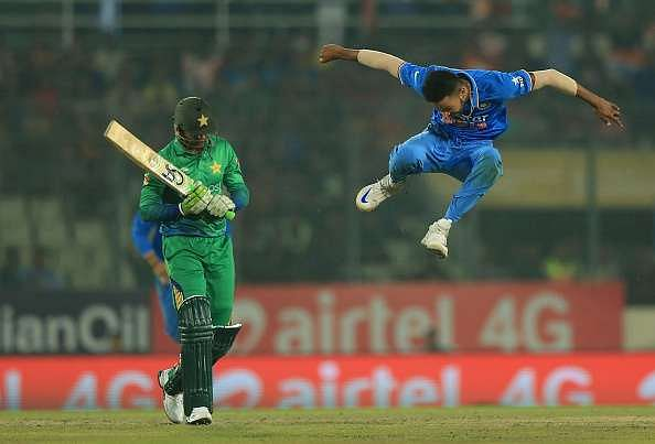 6 thrilling India-Pakistan encounters that don't fade away