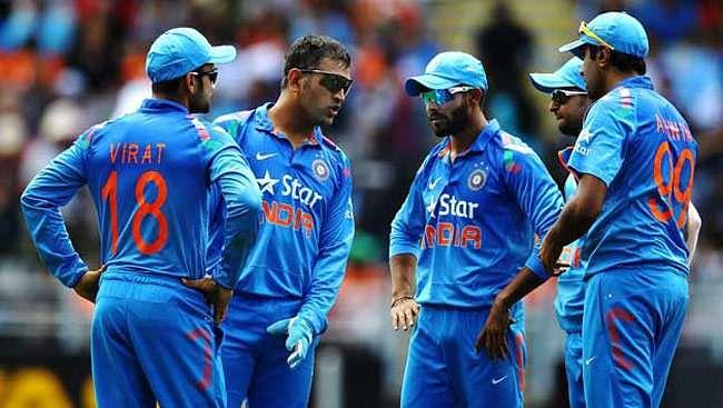 Kapil Dev expresses displeasure about MS Dhoni's on-field behaviour