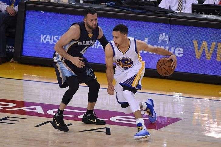 Warriors earn record-setting 73rd regular season victory