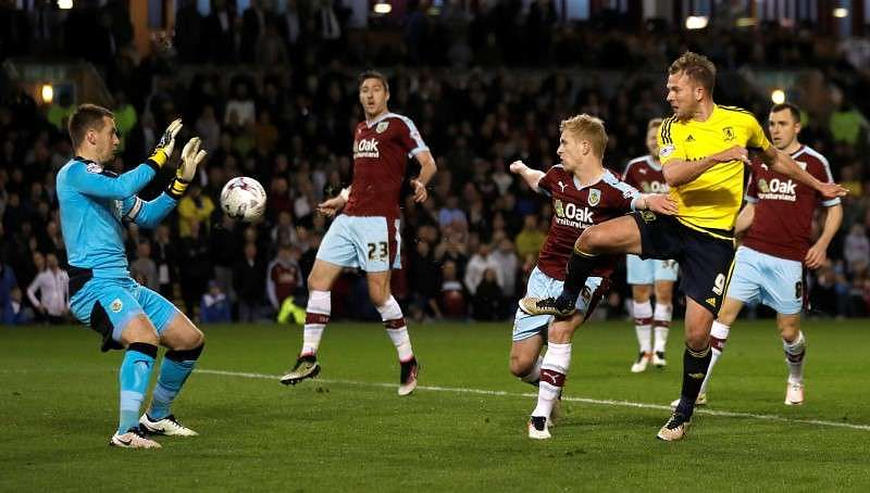 Burnley grab late equaliser as Brighton gain on top two