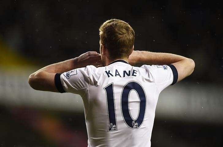 Kane refusing to give up as Foxes close on title