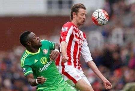 Newcastle boost survival hopes, Sunderland snatch draw