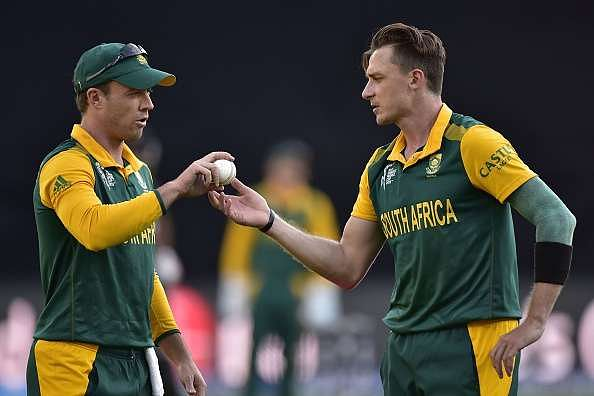 Dale Steyn and AB de Villiers at odds on playing day-night Test