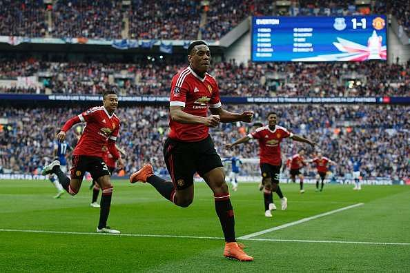 FA Cup: Anthony Martial leaves it late as Manchester United beat Everton 2-1 to reach the final