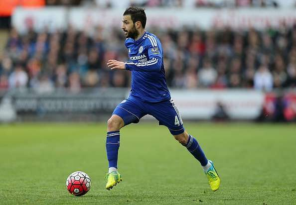 Watch: Chelsea midfielder Cesc Fabregas congratulates Indian striker Robin Singh