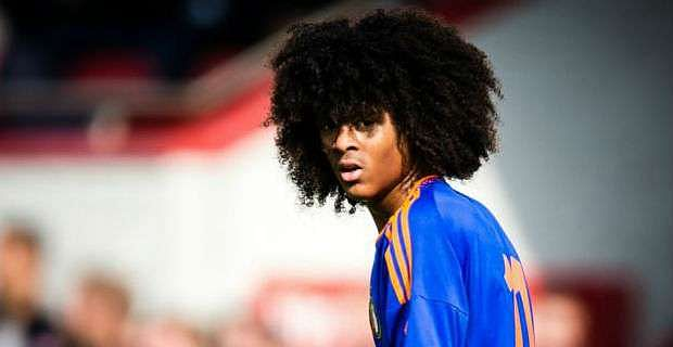 Dutch wonder-kid Tahith Chong confirms he's signing for Manchester United