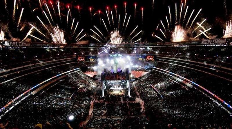[Video] WrestleMania 32 fireworks 360 video