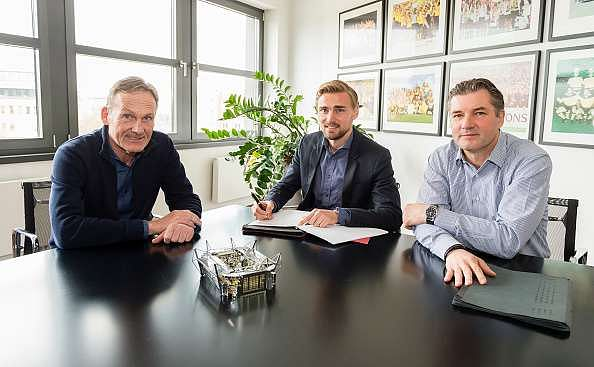 Marcel Schmelzer extends contract with Borussia Dortmund until 2021