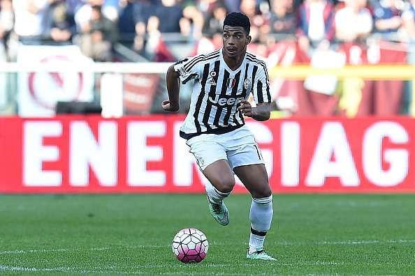 Juventus sign on-loan Marseille midfielder Mario Lemina for €9.5 million