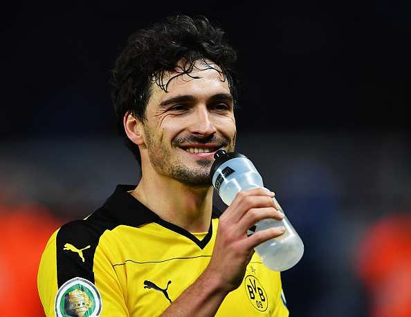 Manchester United target Mats Hummels open to Manchester City move