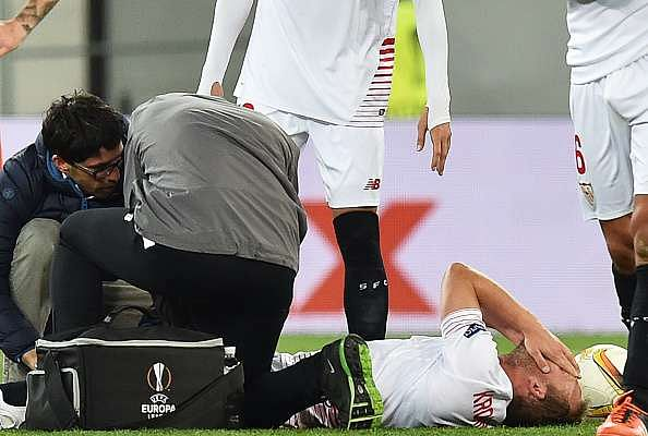 Sevilla midfielder Michael Krohn-Dehli to undergo knee surgery, could be out for six months