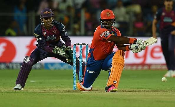 IPL 2016: MS Dhoni blames bowlers after loss against Gujarat Lions