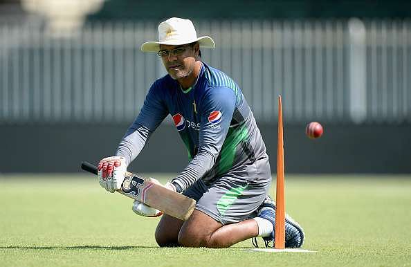 Shoaib Malik, Wahab Riaz, and Mohammad Hafeez bid farewell to Waqar Younis on Twitter