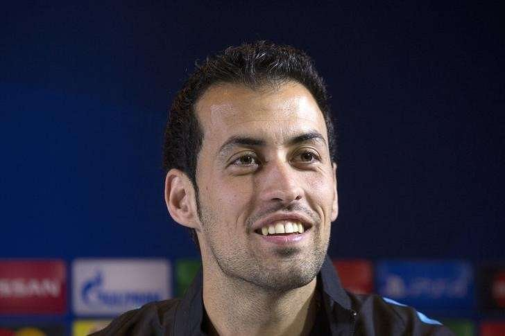 Busquets signs new Barcelona deal until 2021