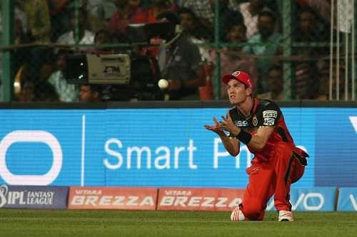 RCB lose Adam Milne to hamstring injury for rest of IPL 9